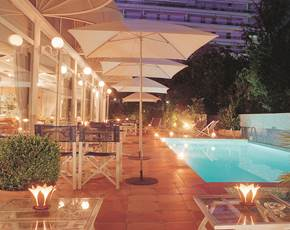 Swimming pool Hotel Amarante Cannes
